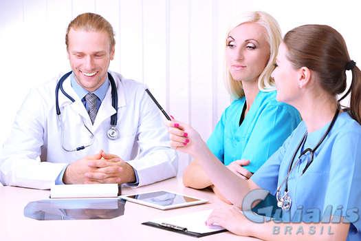 Médicos em Brasil