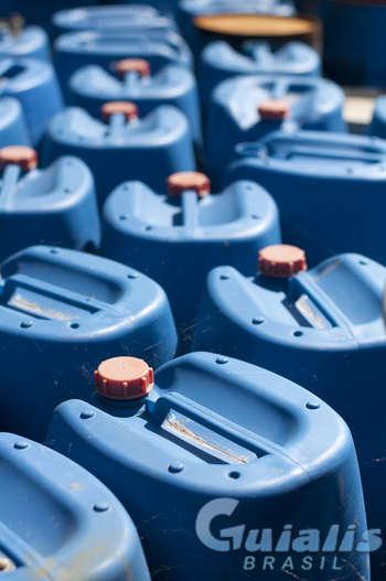 Produtos Químicos em Quatro Barras