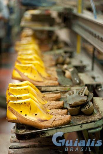 Fabricação de Calçado em Brasil